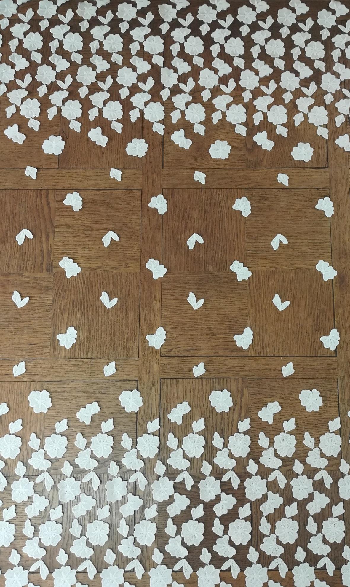 Tulle brodé fleurs 3D touché coton 6058