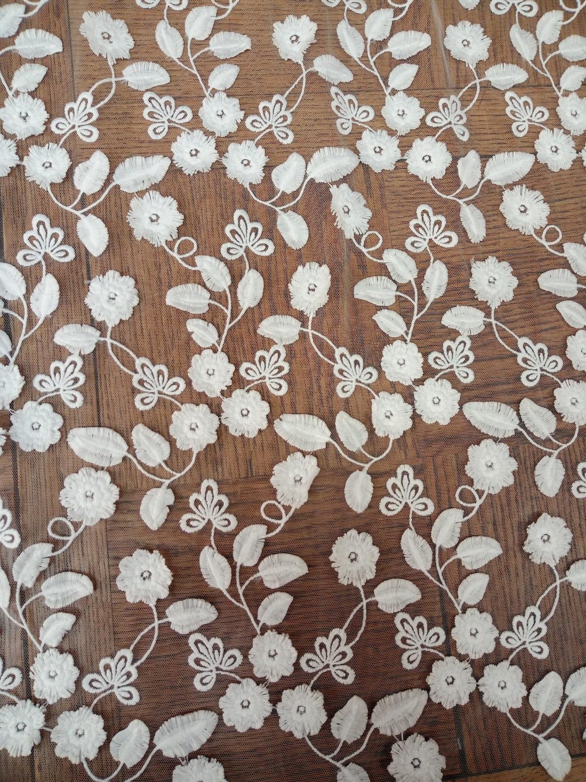 Dentelle fleurs 3D 6071