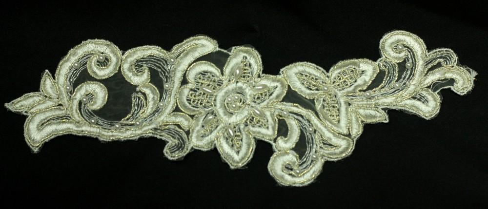 Applique de fleurs avec perles