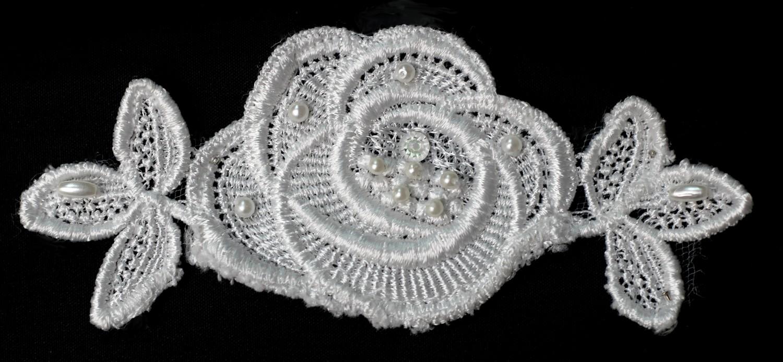 le lot de 5  Appliques de fleurs avec perles